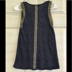 W5 sleeveless navy striped top